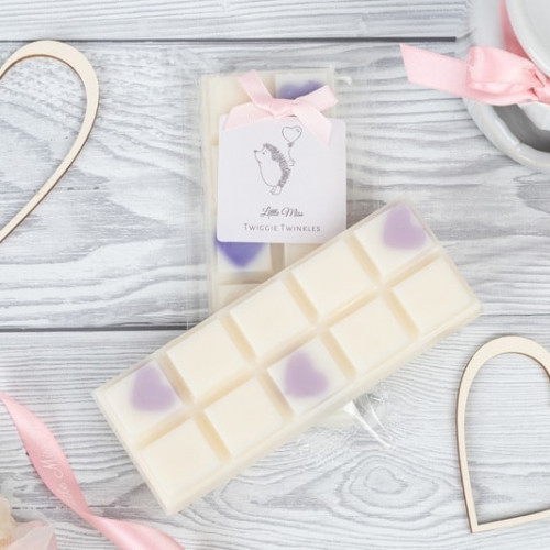 Bedtime Baby Bath inspired snap bars A soft powdery floral fragrance with notes of chamomile