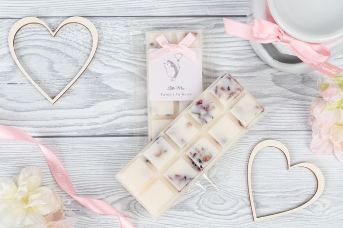 Velvet Rose and Oud wax melt snap bars by Little Miss Twiggie Twinkles