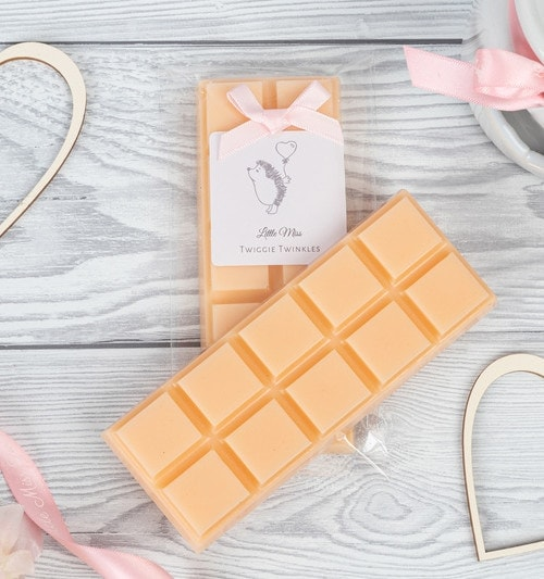 Warming Cashmere snap bars A sweet musk fragrance with supporting notes of white orchid, jasmine and vanilla